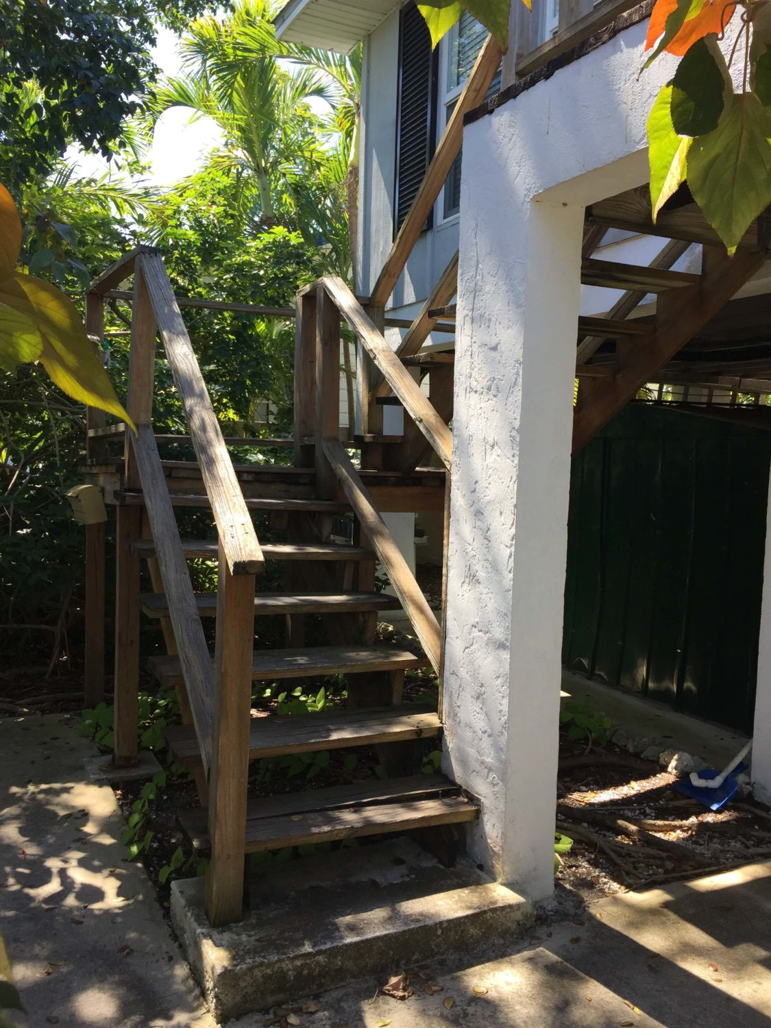 Stair Replacement Before Photo - Treads